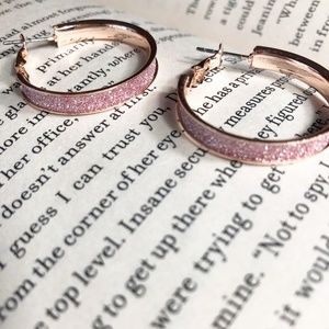 ROSE GOLD PAVE GLITTER STYLE SMALL HOOP EARRINGS